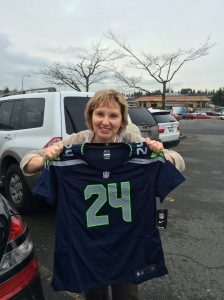 Lor-Dogg (aka MOM) LOVES her Beat Mode! GO HAWKS!